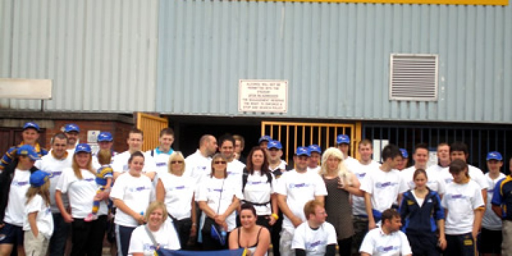 40 walkers raise  funds on Headingley to Belle View walk